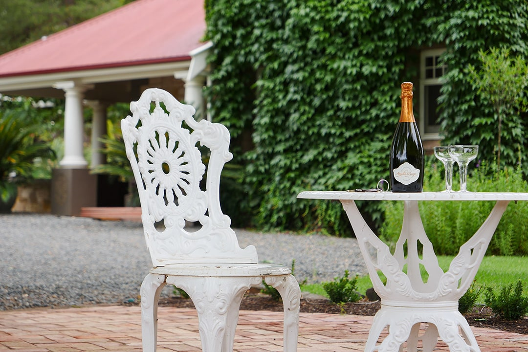 Wilsford House - outdoor dining