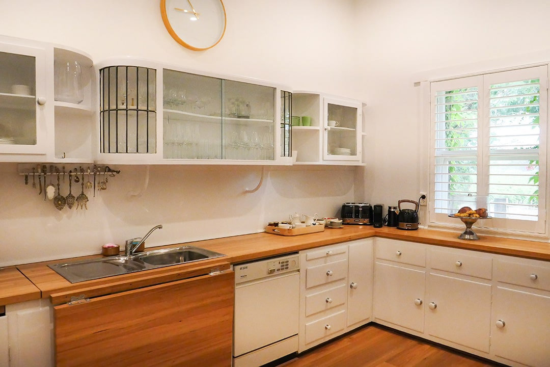 Wilsford House - country kitchen